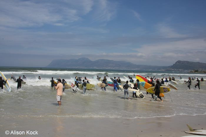 Setting World Records - 103 Surfers on 1 Wave